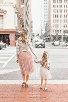 Mama and Daughter, Mommy and Daughter, Mommy and Me, Mother Daughter Outfits, Twinning Mother Daughter Pictures, Mother Daughter Matching Outfits, Mommy And Me Outfits, Mom Daughter, Matching Family Outfits, Girl Outfits, Daughter Quotes, Ava Elizabeth Phillippe, Mini Me
