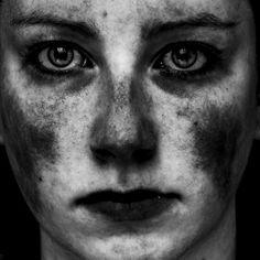 Comment faire disparaître les notions de beauté ou de laideur ? En adaptant la notion de satiété sémantique à la photo, David Fitt tente de répondre.
