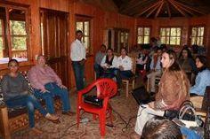 El Secretario de Turismo en la entidad, Hugo Burgos García, sostuvo una reunión de trabajo con los Directores de Turismo...