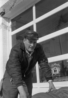 James Spor was a Garden City, Kansas service station attendant. He serviced the car of the murderers Dick Hickock and Perry Smith only a short time before the murders of the Clutter family. Non Fiction Novels, Kansas, Edward Smith, Harper Lee, In Cold Blood, Forensic Science, Serial Killers, True Crime, American History