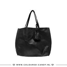 Black is my happy colour! 😘 ➳ https://www.coloured-candy.nl/product/leatherlook-bag-zwart/ Wat houden we toch van die basic essentials!♡ #colouredcandy #sieraden #jewelry #beauty #jewellery #accessories #travel #bag #shopper #leatherlook #black #tassel #style #fashion #online #shopping #mode #love #fashiongram #cute #beautiful #mode #trendy #woman #like #shop #musthaves