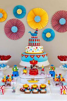 Bella_Fiore_Decoração_festa_circo_colorido_amarelo_vermelho_azul…