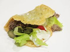 Provolone Taco With Beef And Salsa - Banting Recipes Banting Diet, Banting Recipes, Diet Recipes, Taco Ingredients, Taco Recipe, Canapes, Salsa, Fries, Sandwiches