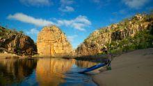 Canoeing, Smitt Rock, Katherine Gorge, Nitmiluk National Park, Katherine, Northern Territory, Australia