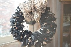 Neutral Burlap Wreath by SKF Designs for anytime of the year. by SKFbyDesigns on Etsy