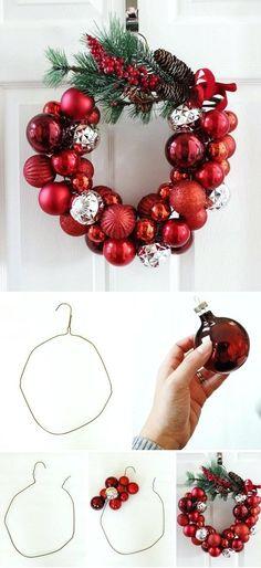 Christmas Wreath Image, Diy Christmas Baubles, Christmas Tinsel, Christmas Wreaths To Make, How To Make Wreaths, Holiday Wreaths, Handmade Christmas, Festival Diy, Diy Fest
