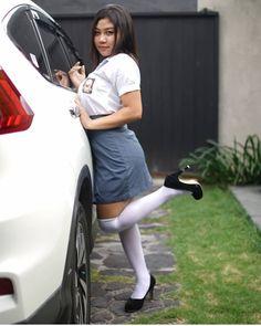School Girl Dress, School Uniform Girls, Japanese School Uniform, Cute Young Girl, Indonesian Girls, Beautiful Girl Indian, Beautiful Ladies, Hijab Chic, Amai