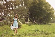 Anita Olckers wears The Lonzi&Bean Ultimum maternity & breastfeeding dress, hello summer! Breastfeeding Dress, Maternity Nursing Dress, Hello Summer, Pregnancy, White Dress, Poses, How To Wear, Color, Inspiration