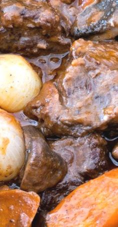 Beef Bourguignon, or Beef Burgundy) is a classic beef stew with deep, rich and very delicious flavor. Best Beef Recipes, Rib Recipes, Roast Recipes, Ground Beef Recipes, Slow Cooker Recipes, Beef Dishes, Food Dishes, Main Dishes, Classic Beef Stew