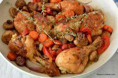 Pulpe de pui cu legume și usturoi la tigaie - rețeta simplă și rapidă   Savori Urbane Kfc, Pot Roast, Food To Make, Turkey, Ethnic Recipes, Cooking, Carne Asada, Roast Beef, Turkey Country