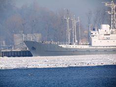 Nabrzeże Francuskie w Gdyni. Marynarka Wojenna w Gdyni w zimowej odsłonie :)