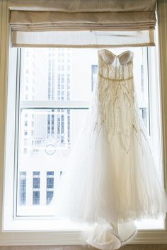 Monique Lhuiller perfection | Chicago Rookery Wedding from Dawn E. Roscoe Photography  Read more - http://www.stylemepretty.com/illinois-weddings/2013/09/03/chicago-rookery-wedding-from-dawn-e-roscoe-photography/
