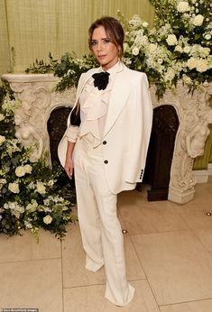 Vogue Uk, Vogue Fashion, Fashion Week, Fashion Trends, Bianca Jagger, Victoria Beckham Vogue, Style Victoria Beckham, Spice Girls, Lily Cole