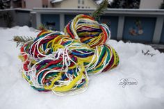 silk/wool selfstriping yarn with material change