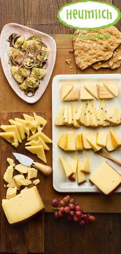 Eine zünftige Brotzeit für wahre Gipfelsieger, Bergbezwinger und Höhenfexe. Genussvoll zusammengestellt mit den Klassikern der Tiroler Küche. Dairy, Cheese, Food, Hay, Milk, Breien, Food Food, Essen, Eten