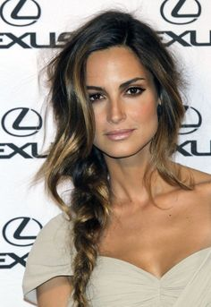 Beautiful hair color for women with naturally dark hair that want to lighten it up. Her makeup is nice too!