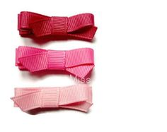 MAUVE, SHOCKING PINK, PALE PINK Miss Mane grosgrain ribbon clips are perfect for keeping your fringe/bangs out of your eyes and taming wispy hair. Our ribbon clippies come complete with our unique no slip grip - Excellent for fine hair. Pink Hair Bows, Baby Hair Bows, Toddler Hair Bows, Toddler Girl, Green Lemonade, Wispy Hair, Fringe Bangs, Pink Amethyst, Hair Slide