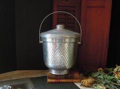 Vintage Aluminum Ice Bucket / Ice Bucket with by AloofNewfWhimsy #vintage #hostess