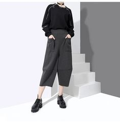 Milly Front Pocket Crop Pants - Gray – Marigold Shadows