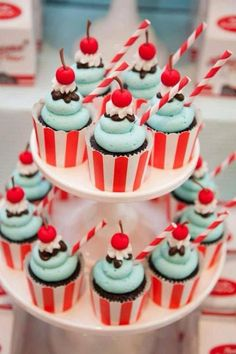 Awesome Retro Diner Party Birthday} with milk and cookies, hamburgers, milkshakes, classic checkboard tables, greaser glasses & sundae cupcakes! Cupcakes Design, Cupcakes Cool, Sundae Cupcakes, Birthday Cupcakes, 2nd Birthday, Themed Cupcakes, Wedding Cupcakes, Party Cupcakes, Popcorn Cupcakes