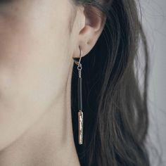 CHUBA || Artisan earrings, handmade in Canada by Anne-Marie Chagnon (2017) || Boucles d'oreilles faites à la main à Montréal, par l'artiste bijoutière Anne-Marie Chagnon