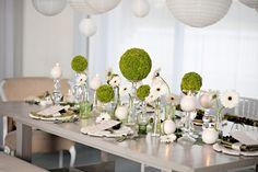 Le blanc pour la pureté, le vert pour le côté frais et très nature voilà deux couleurs qui s'harmonisent parfaitement pour un mariage vert et blanc et une ambiance sobre…