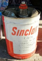 vintage Sinclair oil can