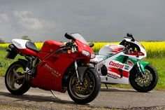Odd Bike: Ducati 916 SP and the Honda RC45.