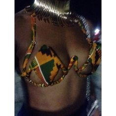 Kente Queen wire bra design - made by me! Because MY girls just want to have fun! Caribbean Carnival Costumes, Diy Carnival, Carnival Outfits, Carnival Fashion, Carnival Inspiration, Diy Bra, Mardi Gras Costumes, Sewing Lingerie, Festival Outfits