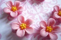 Matte Pink w Yellow Center Resin Star Flower Flat Back 14mm Cabochons Qty 6  -  gesehen bei ebay usa