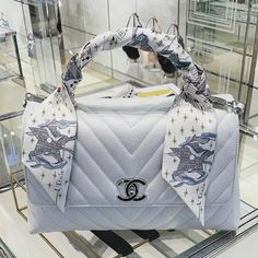 Cheap Best High Quality Replica Chanel bags and purses on sales Luxury Purses, Luxury Bags, Luxury Handbags, Purses And Handbags, Replica Handbags, Sac The Kooples, Chanel Coco Handle, Sacs Design, Latest Bags