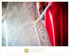 FLORIDA AQUARIUM, www.stepintothelimelight.com, wedding, wedding photography, groom, wedding day, aquarium wedding, portrait, lace, Tampa, Florida, Florida wedding