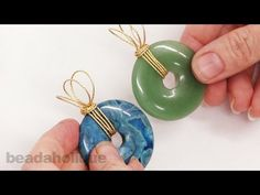 How to Wire Wrap a Bail for Gemstone Donuts - YouTube