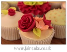 https://flic.kr/p/bpswCB | Student's cupcakes, Boutique Cupcakes Class | Pictures from yesterday's Boutique Cupcakes Class.  We perfected mini roses and the brand new design, ruffle roses!   faircake.co.uk