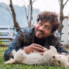 """Mumbai: Anil Kapoor has opened up about a magical trait of late actor Irrfan Khan. The veteran actor feels his """"Slumdog Millionaire"""" co-star Irrfan had the capa Bollywood Actors, Bollywood News, Bollywood Images, Bollywood Gossip, Bollywood Celebrities, Bourbon, Irrfan Khan, 10 Interesting Facts, Life Of Pi"""