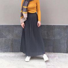 Eerbare kleding. Eng. Modest clothing. Fr. Vêtement modeste. Du. Bescheidene Kleidung. Sp. ropa modesta. Ru. Скромная одежда.