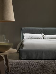 DRESS Leather bed by MY home collection design Carlo Trevisani