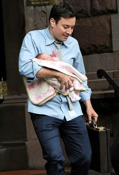 Such a precious pic! Jimmy Fallon carries his baby girl Winnie in NYC.