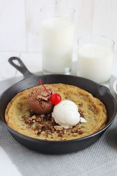 Goodness - Skillet Cookies http://www.abeautifulmess.com/2014/04/skillet-cookies.html