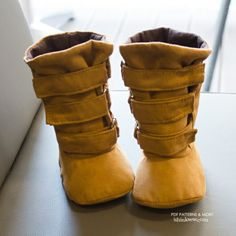 Ainsley Baby Boots PDF Pattern