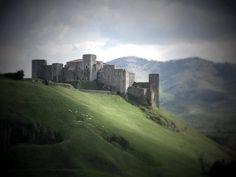 Castello di Melfi (Basilicata) Italia - 40°59′47″N 15°39′21″E