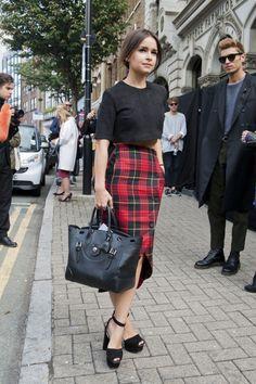 Fab tartan look - Street Style at London Fashion Week Spring 2014 Mira Duma, London Fashion Weeks, Milan Fashion, Miroslava Duma, Fashion Mode, Look Fashion, Trendy Fashion, Fashion Trends, Plaid Fashion