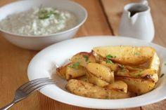 Easy recipe of Greek potatoes Greek Recipes, My Recipes, Cooking Recipes, Favorite Recipes, Recipies, Greek Dishes, Side Dishes, Greek Potatoes, I Love Food