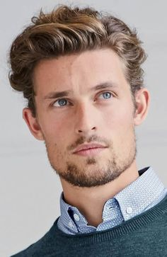 The Best Short Haircuts For Men {year} 1950s Mens Hairstyles, Quiff Hairstyles, Hairstyle Men, Latest Short Haircuts, Haircuts For Men, Wavy Hair Men, Short Hair Cuts, Men's Hair, Hair And Beard Styles