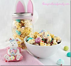 Easter-Candy-Bunny-Tail-Mix-Dessert - Trail Mix Recipe - Mason Jar Recipe Ideas