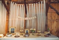#SGWeddingGuide: DIY tulle backdrop / Would be interesting to create with several layers- offering depth  Perhaps a soft circulating fan to simulate a breeze