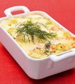 Laxlåda med Västerbottenost ~ A Salmon & Leek casserole with cheese & eggs (you need to apply a translater on the page for the recipe in English) - sounds yummy English Food, Fish And Seafood, Fish Recipes, Food For Thought, Salmon, Vegetarian Recipes, Food And Drink, Pork, Yummy Food