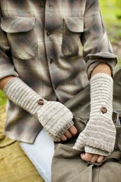 Shipyard stripped flip-top mittens