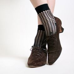 Women's Fall and Winter Fashion Ankle Booties New Year Holiday Party Outfit 2018 New Years Ideas Parties Brown Lace up Boots Vintage Suede Witch Ankle Boots For Halloween Cute Outfits For Students, Date, Anniversary, Hanging Out | FSJ
