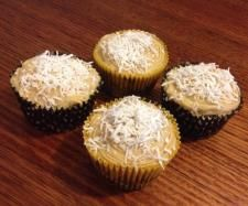 Recipe Lime and Coconut Cupcakes (Gluten, Dairy and Refined Sugar Free) by Thermo Sensation - Recipe of category Baking - sweet Coconut Syrup, Coconut Flour, Coconut Recipes, Gluten Free Recipes, Thermomix Cupcakes, Sweet Recipes, Cake Recipes, Cupcake Day, Coconut Cupcakes